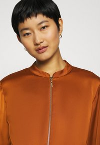 comma - Summer jacket - cognac - 3