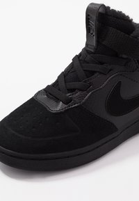 Nike Sportswear - COURT BOROUGH MID WINTERIZED  - Lær-at-gå-sko - black/white - 2