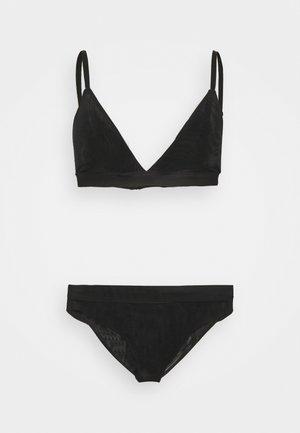 DOUBLE LAYER BRA AND DOUBLE LAYER BOOMERAN - Triangle bra - black