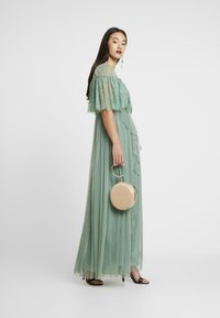Forever Unique - Společenské šaty - sage - 2