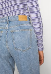 Monki - KYO - Jeans straight leg - blue medium dusty - 3