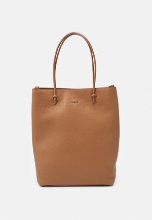 ESSENTIAL TOTE - Handbag - miele