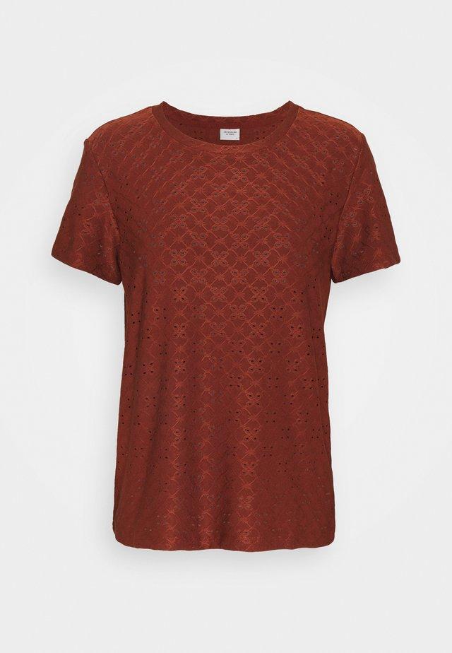 JDYCATHINKA - T-shirt print - cherry mahogany