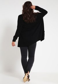 Zalando Essentials Curvy - Strikjakke /Cardigans - black - 2