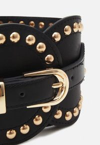 Pieces - PCNANI WAIST BELT - Waist belt - black/gold-coloured - 2
