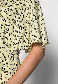 Selected Femme - UMA SHORT DRESS - Shirt dress - young wheat - 4