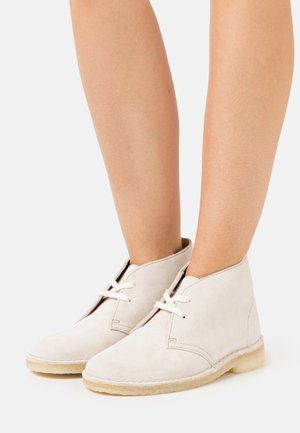DESERT BOOT - Lace-ups - offwhite