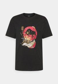 Cotton On - T-shirt med print - black/lantern - 0