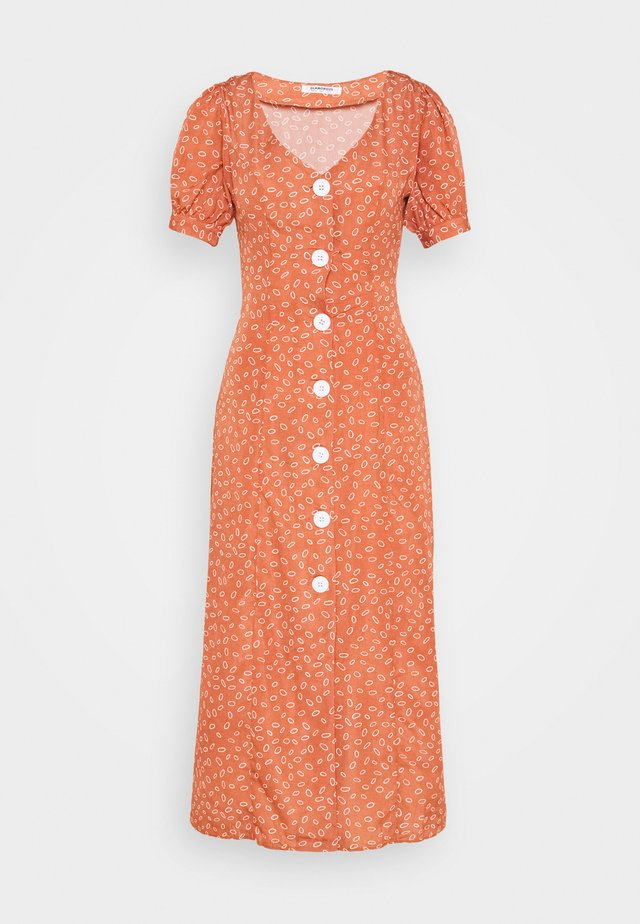MIDI DRESS WITH PUFF SHORT SLEEVES - Kjole - terracotta ditsy