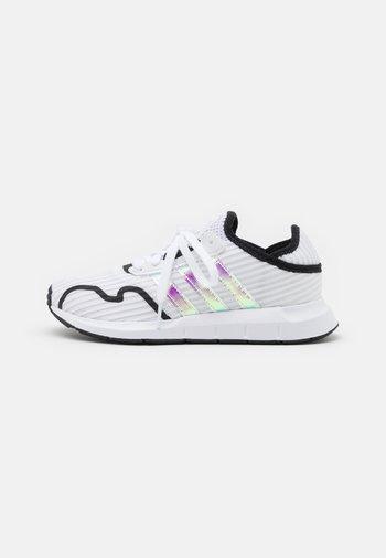 SWIFT RUN X UNISEX - Trainers - footwear white/core black