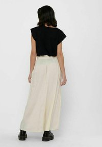ONLY - Pleated skirt - ecru - 2