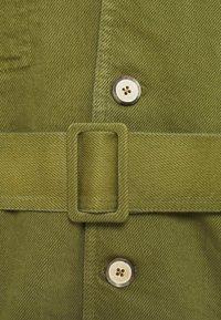 Martin Asbjørn - JACKSON SAFARI JACKET - Short coat - olive branch - 2