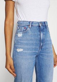 Tommy Jeans - JULIE UHR - Straight leg jeans - denim light - 5