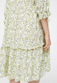 comma casual identity - Day dress - offwhite leaf - 5