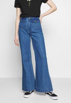 EASTCOAST - Flared Jeans - eco ava blue