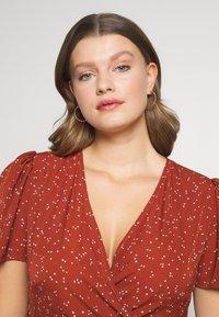 Orelia - CHUNKY TWIST HOOP EARRIGS - Earrings - pale gold-coloured - 1