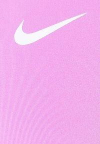 Nike Performance - BRA - Sports-BH-er med lett støtte - fuchsia glow/white - 6