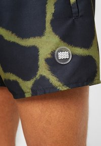 Topman - GIRAFFE SWIM - Shorts da mare - khaki/black - 3