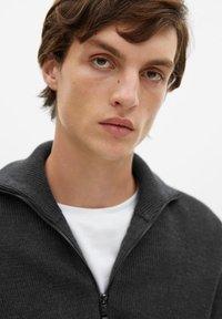 Mango - Zip-up hoodie - grey - 4