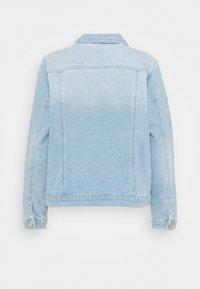 Vero Moda Curve - VMFAITH JACKET - Veste en jean - light blue denim - 1