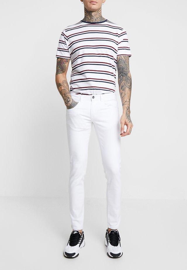 COPENHAGEN - Slim fit -farkut - white