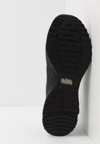 Coach - C143 REFLECTIVE SIGNATURE - Sneakers basse - black - 4