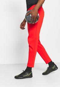 Nike Performance - LIVERPOOL FC PANT - Squadra - rush red/black - 3