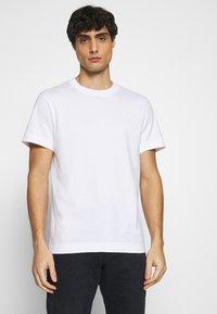 Lacoste - T-shirt basique - white - 0