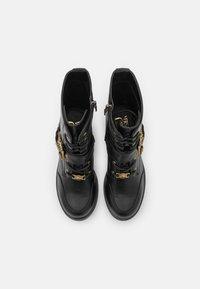 Versace Jeans Couture - Šněrovací kotníkové boty - nero - 3