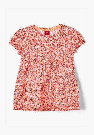MIT BLUMENMUSTER - Print T-shirt - orange floral print