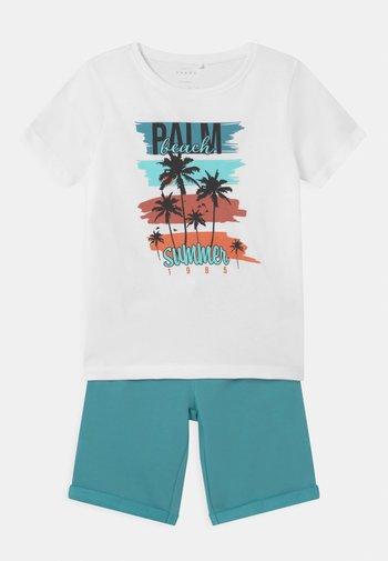 NKMVIGANO SET - Print T-shirt - aqua