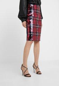 Versace Collection - Gonna a tubino - bordeaux - 0