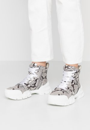 ACE - Baskets montantes - grey
