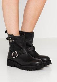 Blauer - IRVINE - Cowboy/biker ankle boot - black - 0
