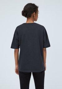 Pepe Jeans - FELISA - Print T-shirt - deep grey - 2