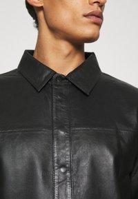 Bruuns Bazaar - BARLEY SHIRT - Košile - black - 5