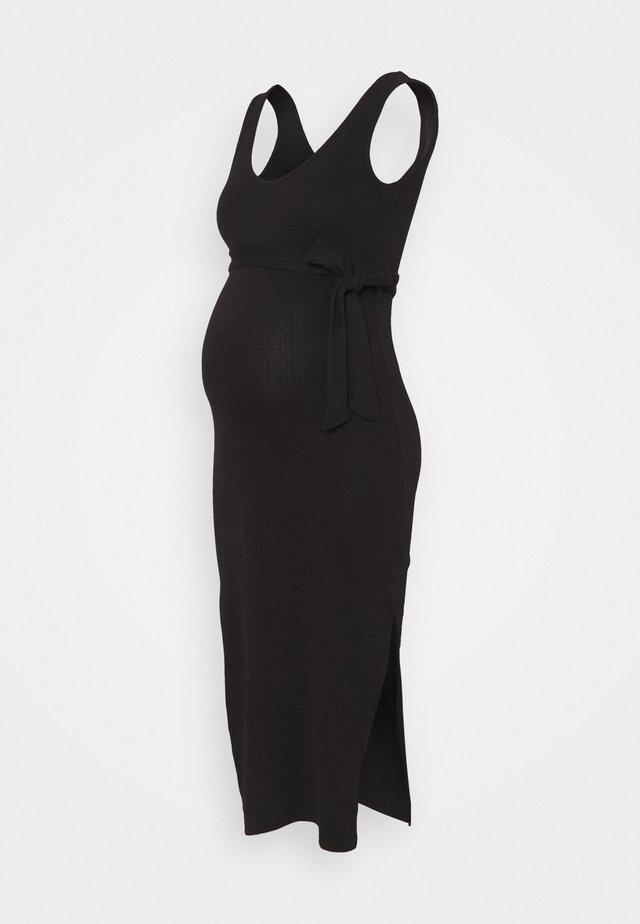 V NECK BELTED DRESS - Vestito di maglina - black