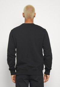 Calvin Klein Jeans - MONOGRAM CREW NECK - Felpa - black - 2