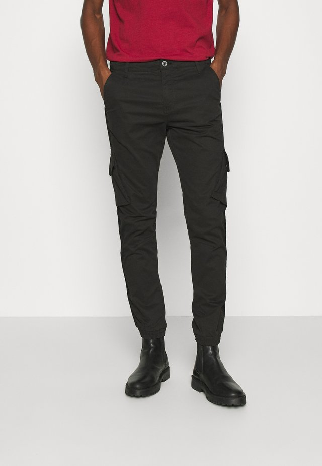 BATTLE  - Pantalon cargo - noir