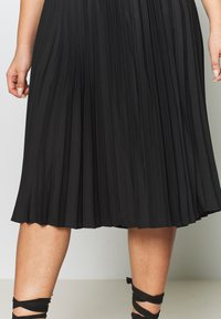 CAPSULE by Simply Be - PLEATED SKIRT - A-line skirt - black - 4