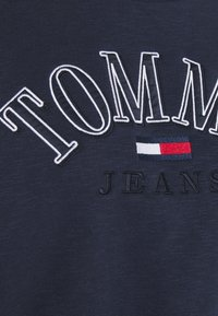 Tommy Jeans - CROP COLLEGE LOGO - Sweatshirt - twilight navy - 5