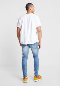Redefined Rebel - STOCKHOLM DESTROY - Slim fit jeans - soft blue - 2