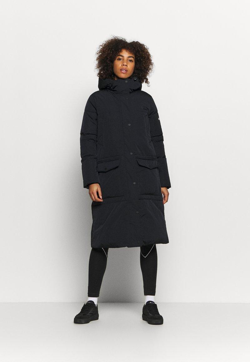 Champion - HOODED JACKET ROCHESTER - Winter coat - black