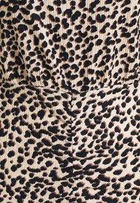 New Look Petite - SHOULDER PAD RUCHED DRESS - Day dress - beige/black - 5