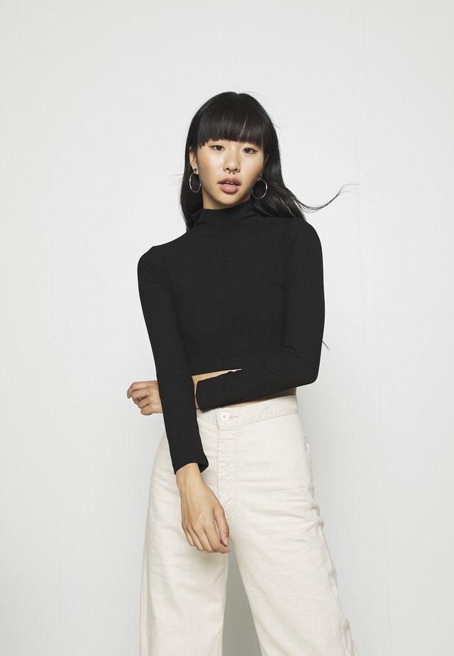 LIGHT CROP  - Long sleeved top - black