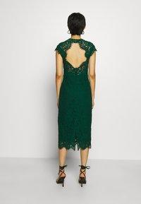IVY & OAK - SHIFT DRESS MIDI - Cocktail dress / Party dress - eden green - 2