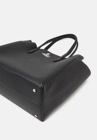Vivienne Westwood - JOHANNA LARGE SHOPPER BAG UNISEX - Tote bag - black - 4