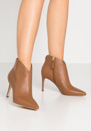 BRISTA - High heeled ankle boots - beige neutro