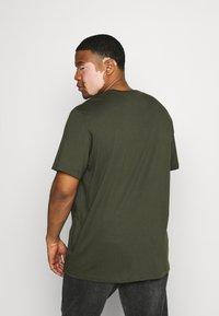 Lacoste - T-shirt basic - khaki - 2