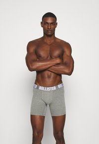 Hollister Co. - CORE SOLID CHAIN 5 PACK - Pants - light grey - 3